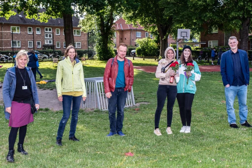 Abschluss des 1. Preetzer Lesefests, von links: Inga Feldmann, Charlotte Reimann, Florian Hacke,Mona Harry, Selina Seemann, Björn Högsdal